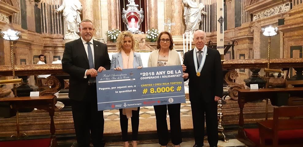 L'Arxiconfraria de la Cinta lliura 8.000 euros  a  Càritas i Creu Roja Tortosa de la  campanya de la cooperació i solidaritat